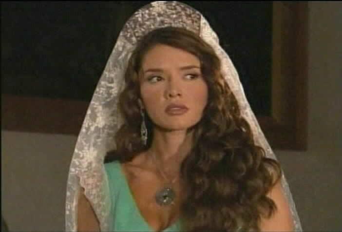 Marlene Favela is Esmeralda Sanchez de Moncada