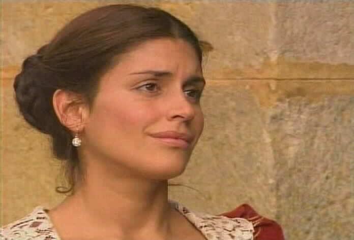 Andrea Montenegro is María Pía de la Vega
