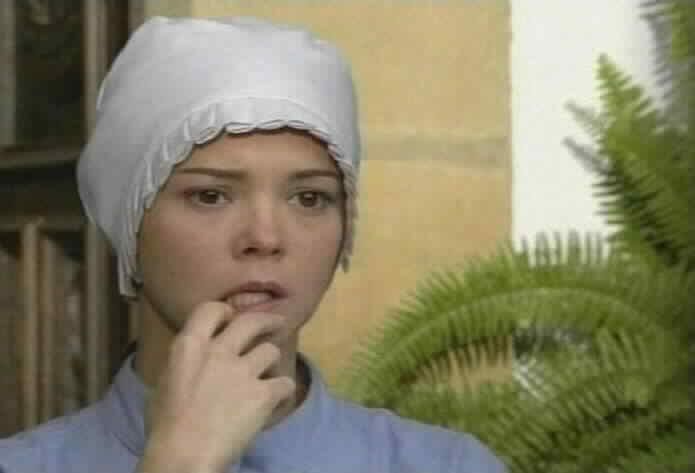 Natasha Klauss is Ana Camila Suplicios